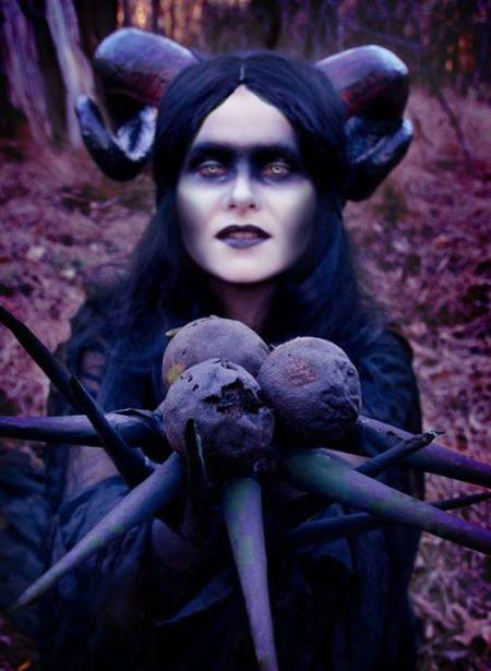 This image was shared via Gothic Beauty Magazine, belongs to Gothic Beauty Magazine and had nothing to do with me.  But she looks a lot like my current D & D character.
